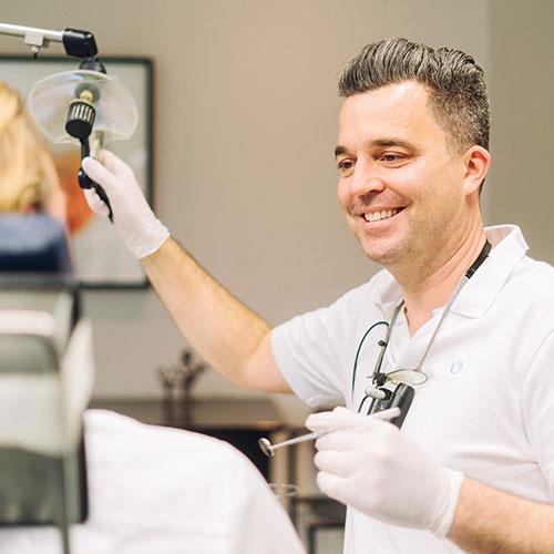 Zahnarzt Konstanz - Laubach & Partner - Praxis - Behandlung